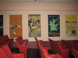 The Barnstormers is an example of a summer theatre that hired union and non-union performers.